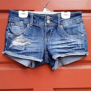 Almost Famous Shorts 3